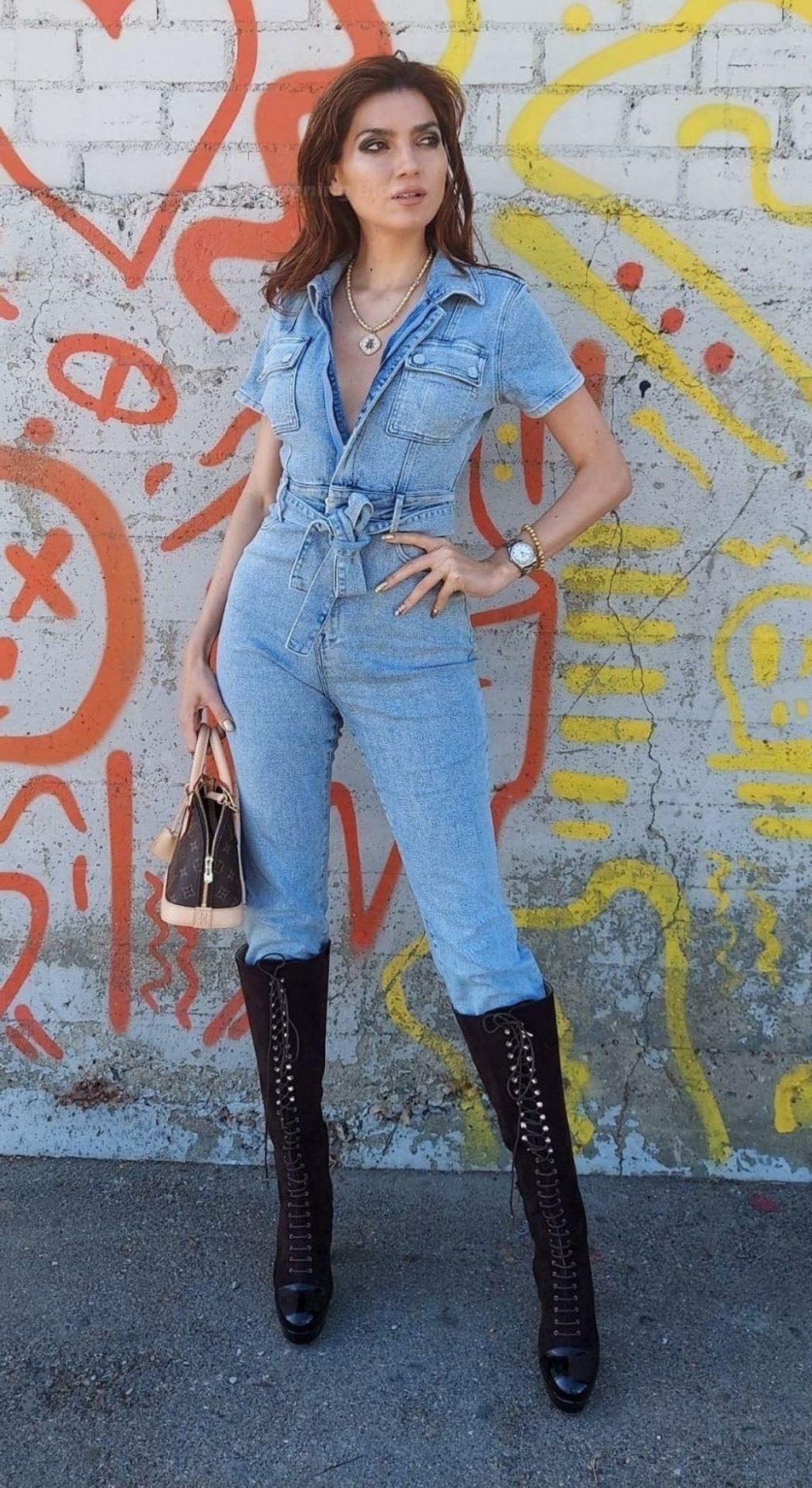 Blanca Blanco Shows Off Her Nice Butt in LA (15 Photos)
