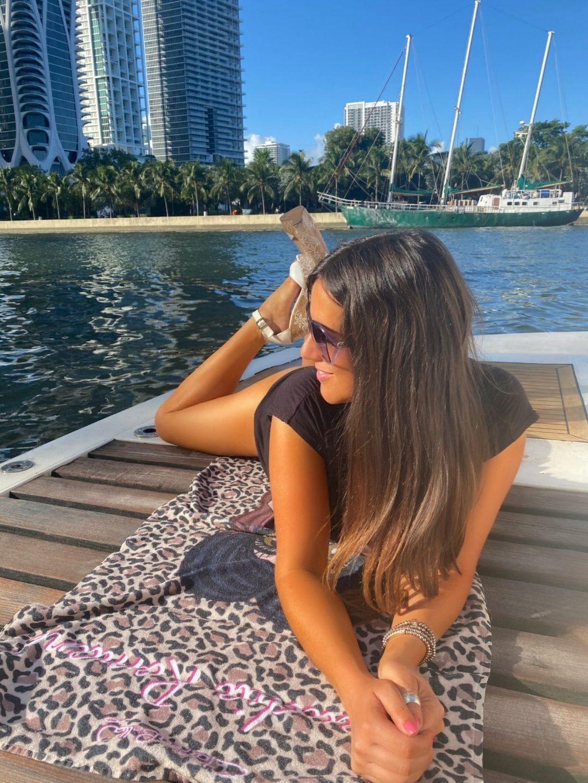 Busty Claudia Romani Enjoys the Sunny Weekend Weather on a Yacht (17 Photos)