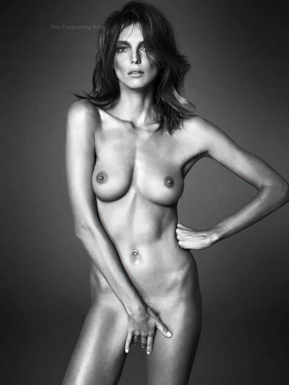 Daria Werbowy Nude (2 Photos)