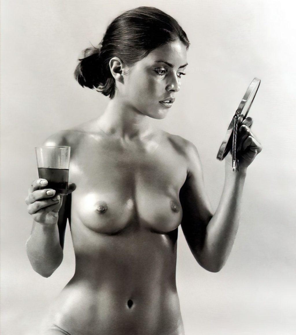 Debbie Harry Nude (2 Photos)