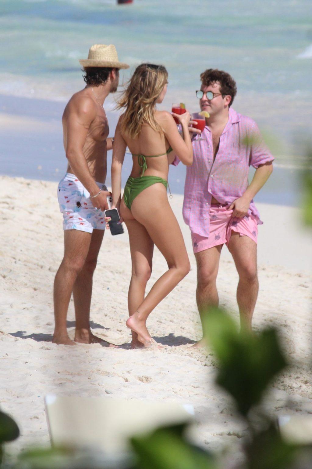 Delilah Belle Hamlin Shows Off Her Toned Figure in a Green Bikini (35 Photos)