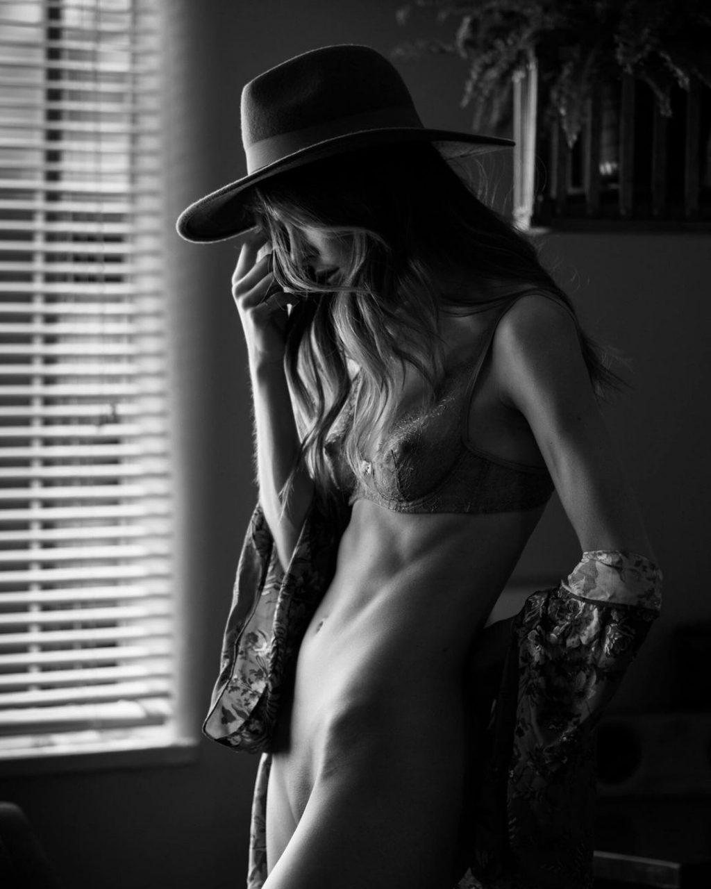 Hailey Afton Nude & Sexy (12 Photos)