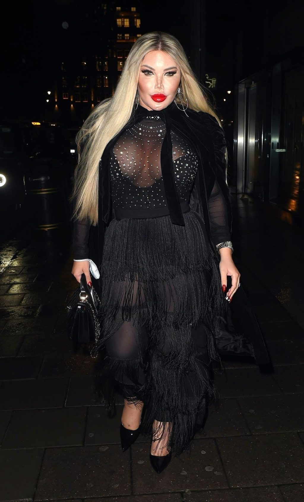 Jessica Alves Looks Striking as She Arrives at Amazonico Mayair in London (22 Photos)