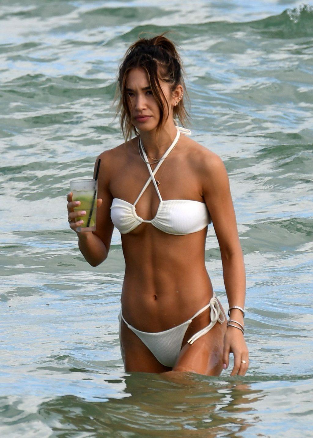 Jocelyn Chew Flaunts Her Bikini Body (71 Photos)