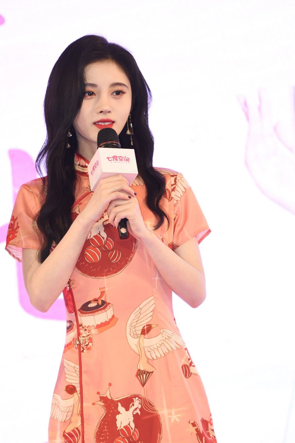 Ju Jingyi Displays Her Sexy Legs at the Event in Shanghai (75 Photos)