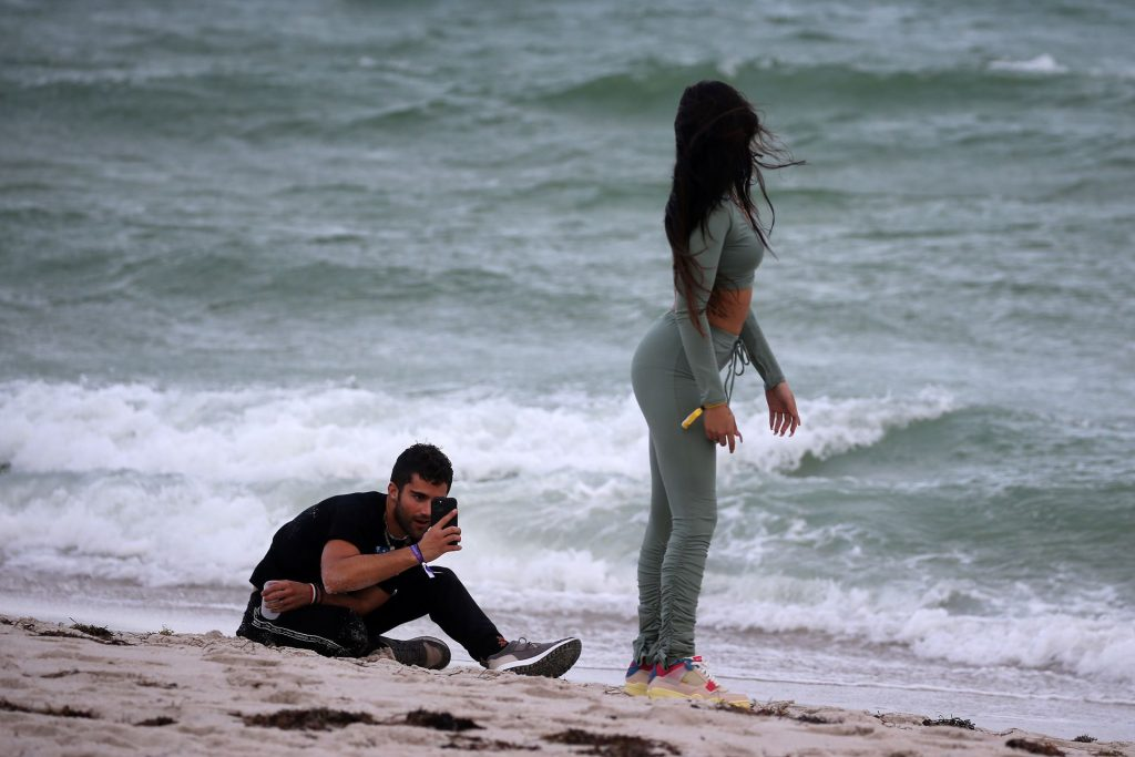 Mariah Angeliq & Max Ehrich are Seen Together on the Beach in Miami (82 Photos)