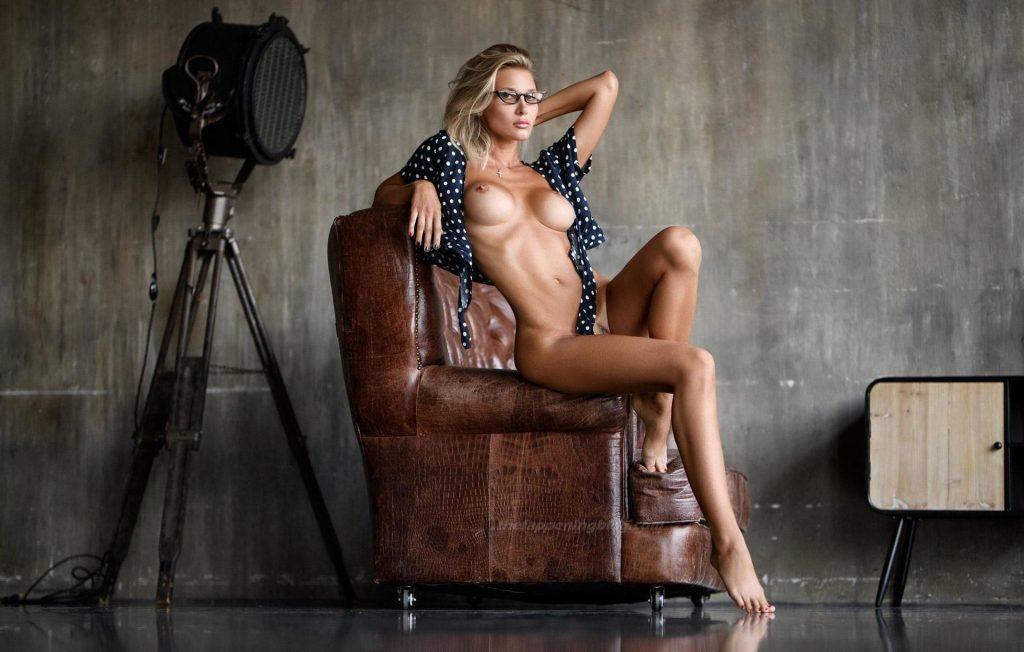 Marina Polnova Nude (7 Photos)