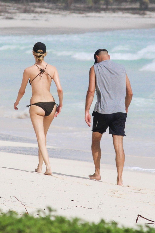 Martha Hunt Stuns in a Black Bikini as She Cools Off in Tulum (27 Photos)
