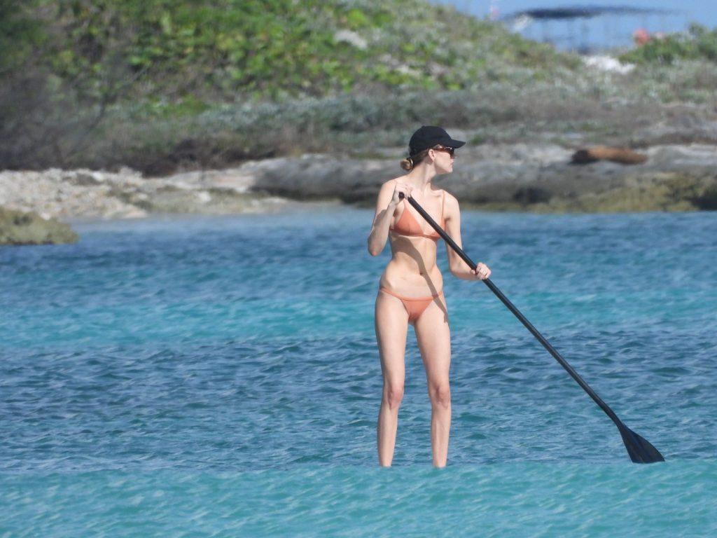 Martha Hunt Looks Stunning as She is Seen in a Bikini on Vacation (62 Photos)