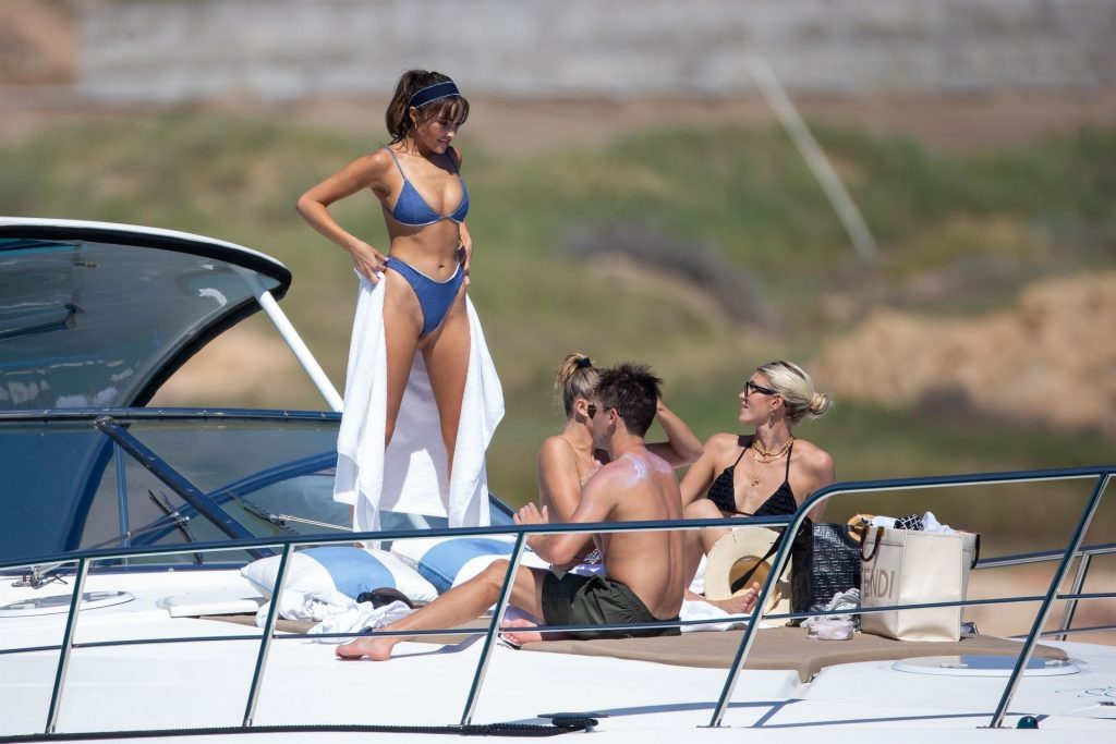 Olivia Culpo Sets Pulses Racing Nude in Cabo (82 Photos)
