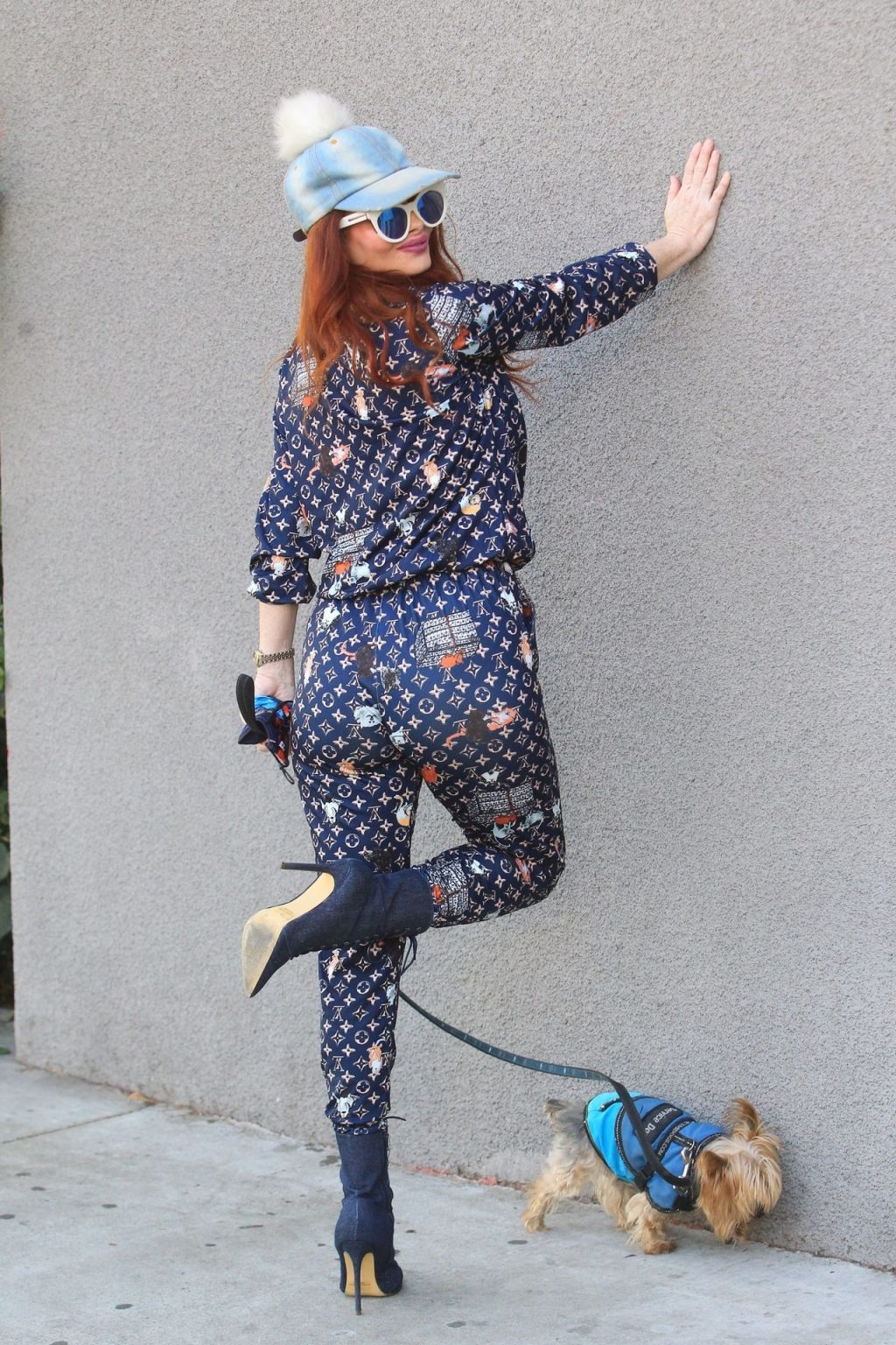 Phoebe Price Stops to Strike a Pose While Shopping in Hollywood (14 Photos)