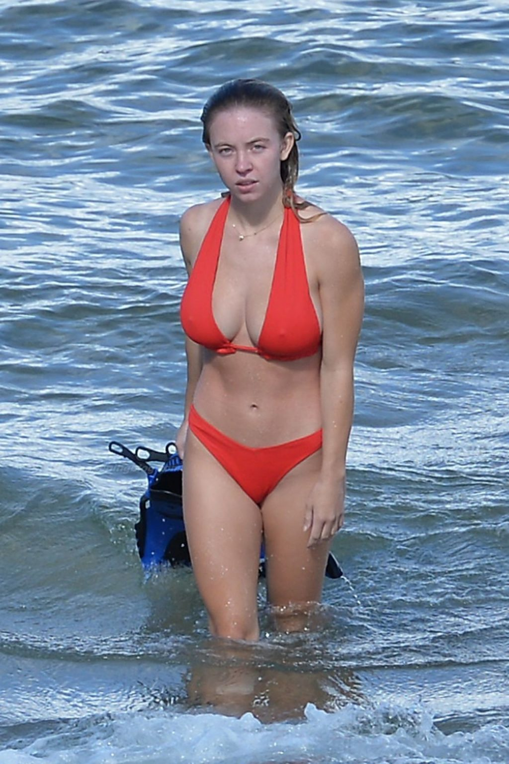 Sydney Sweeney Sizzles in a Red Bikini While Going Snorkeling in Hawaii (18 Photos)