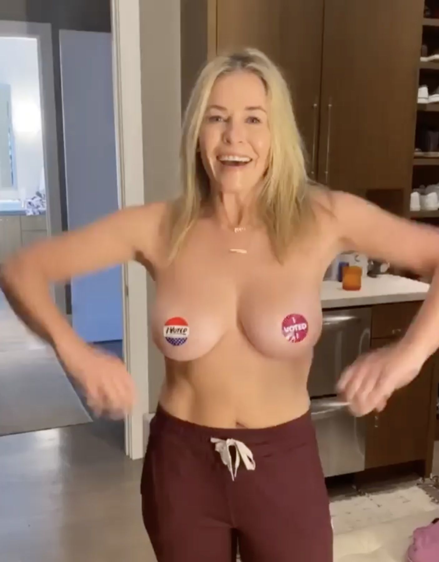 Chelsea Chandler  nackt