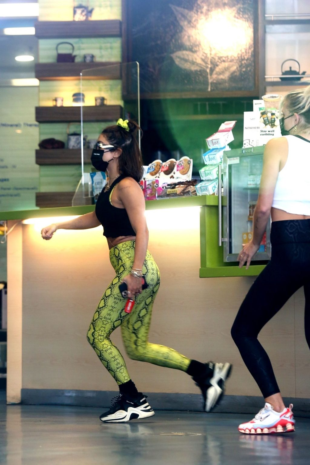 Vanessa Hudgens Gets Fit in Exotic Tights (31 Photos)