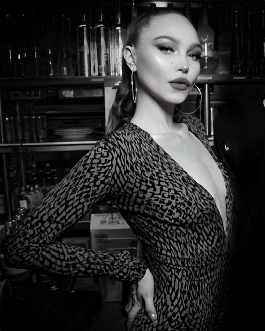 Ivy Levan Nude & Sexy (30 Photos)