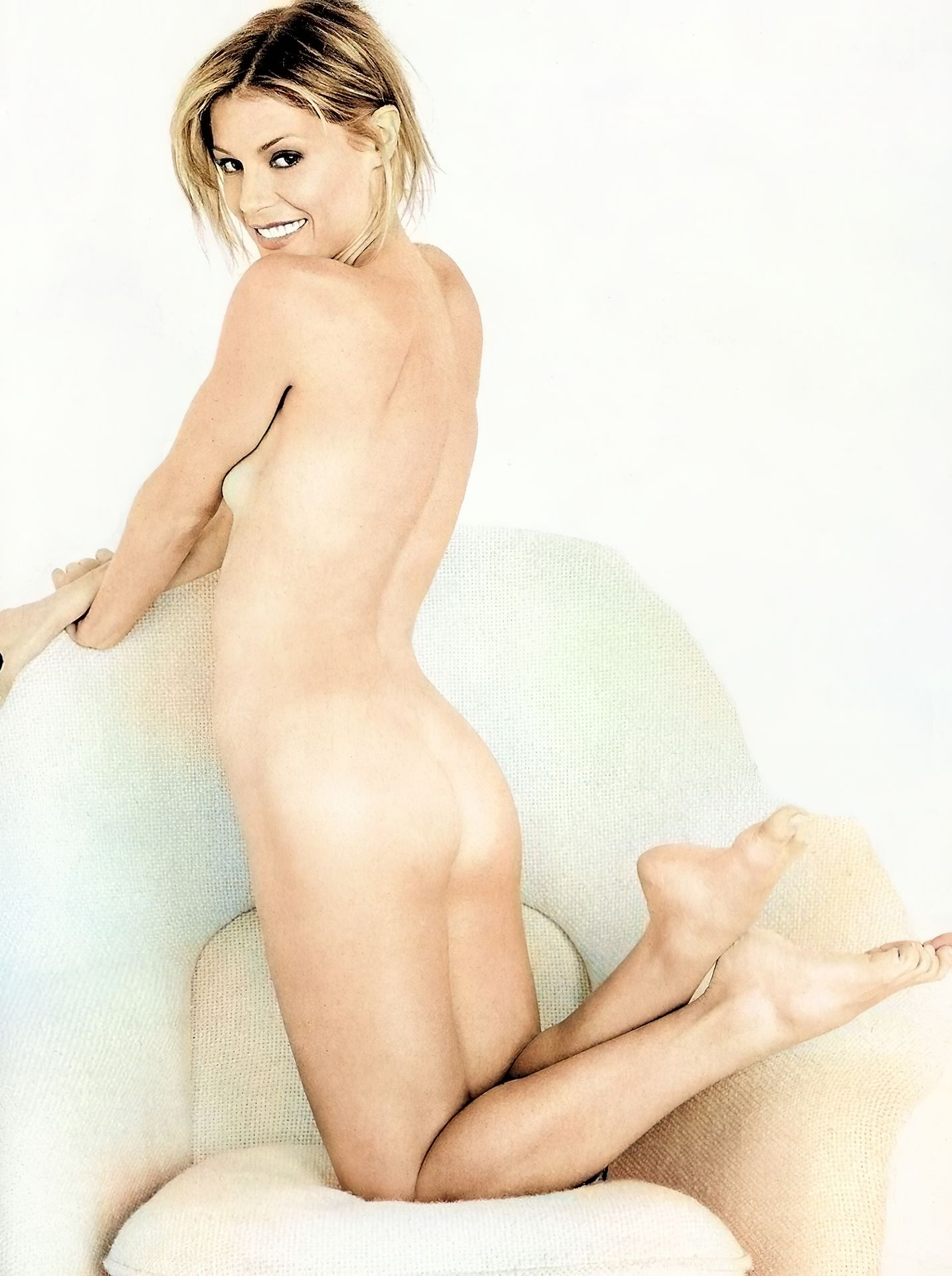 America olivo nude sex in the shower julie bowen hot not