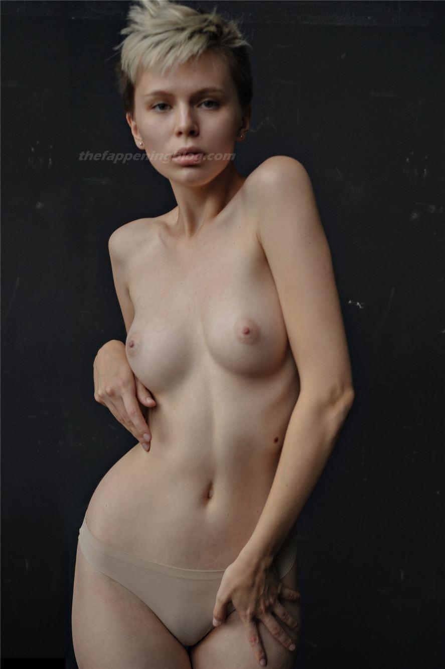 Kate Homi Nude (6 Photos)