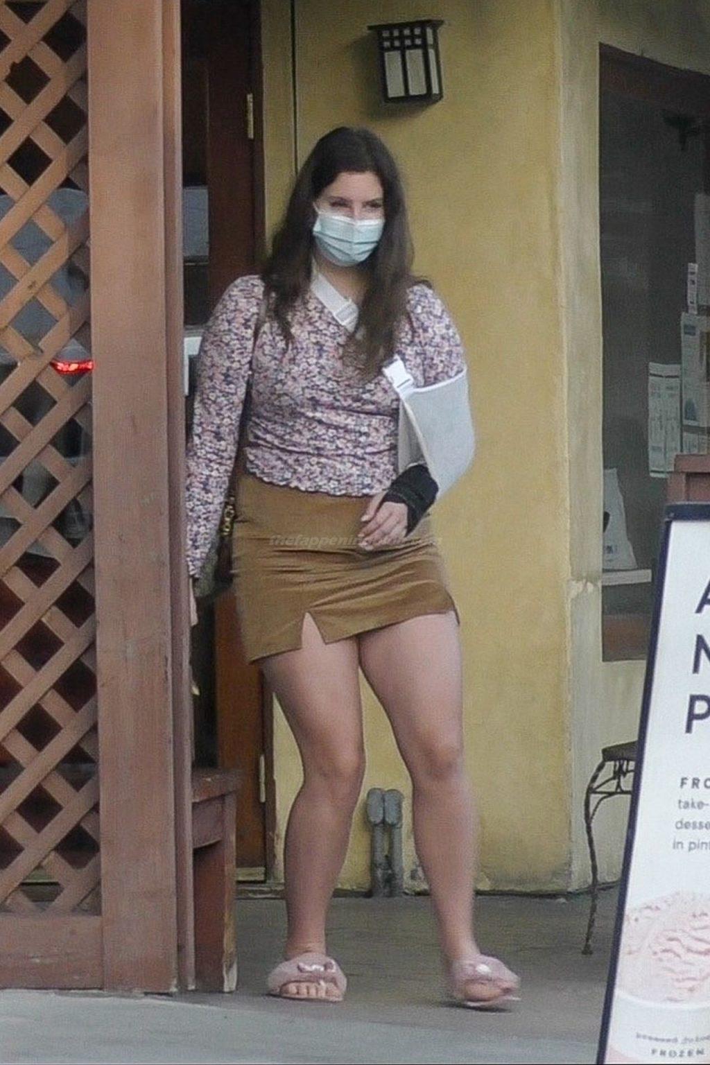 Leggy Lana Del Rey is Seen in Studio City (18 Photos)