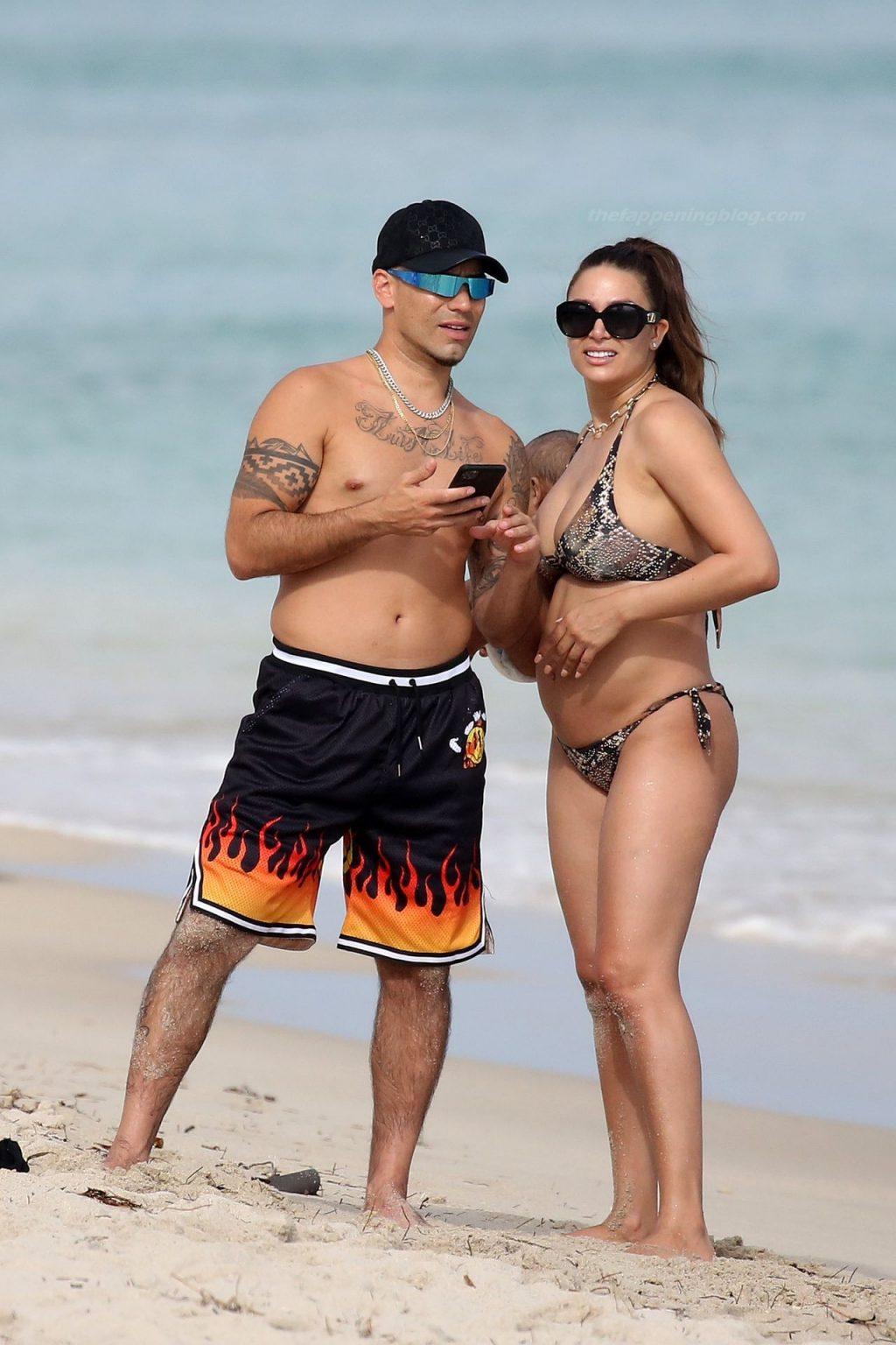 Lisandra Silva Wears a Bikini as She Poses on the Beach in Miami (5 Photos)