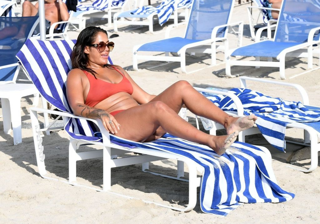 Malin Andersson Shows Off Her Sexy Body While Relaxing on the Beach in Dubai (39 Photos)