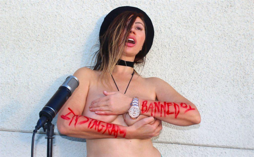 Nadeea Volianova's Naked Press Conference (5 Photos)