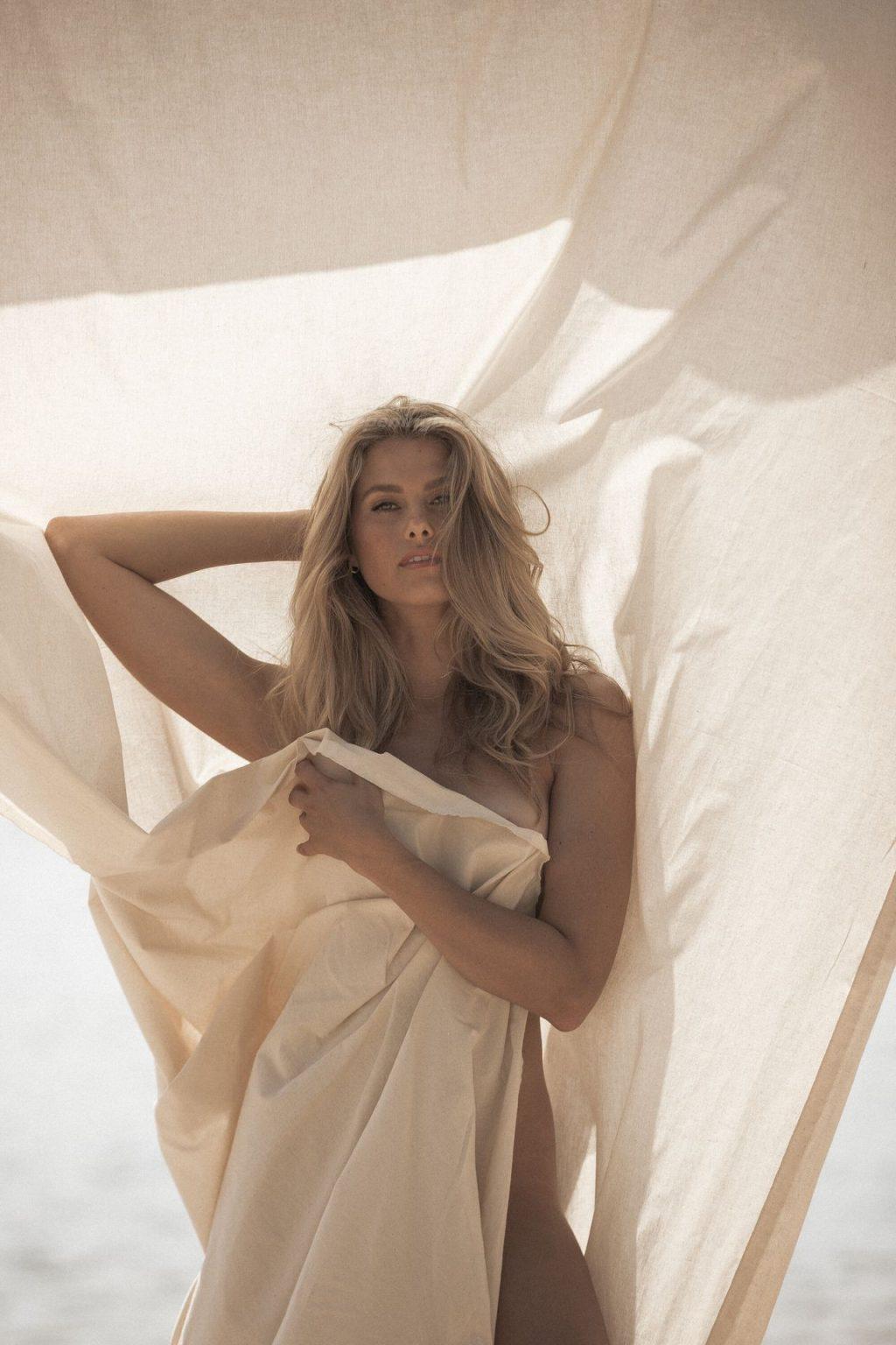 Natalie Roser Nude & Sexy – The Series (23 Photos)