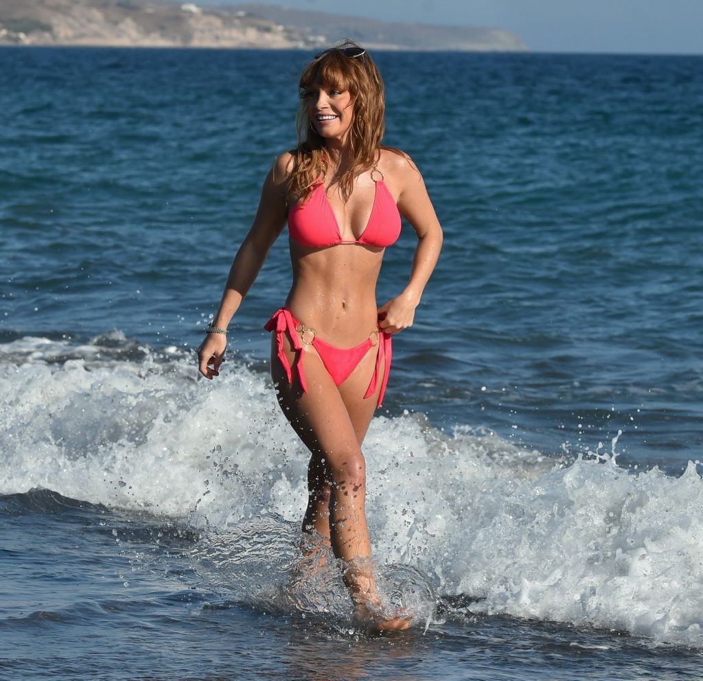 Summer Monteys-Fullam Enjoys a Day on the Beach During a Recent Trip to Cyprus (12 Photos)