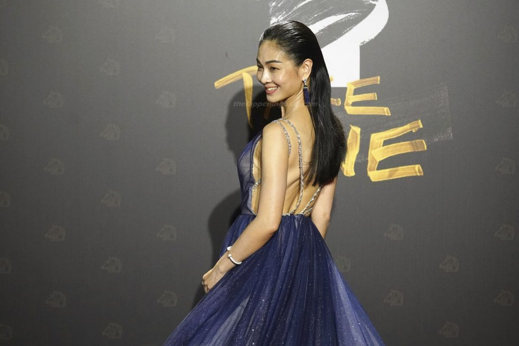 Vera Chen Poses Braless at the 57th Golden Horse Awards (6 Photos)