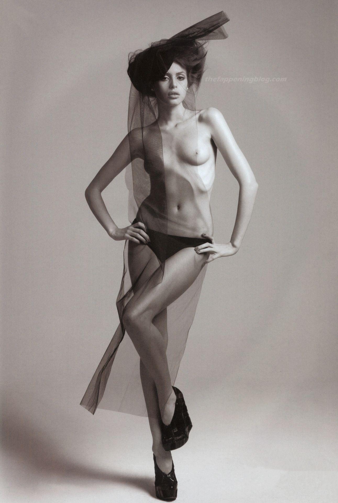 Sean Lennon And Girlfriend Recreate John And Yoko Rolling Stone Nude Cover Photo