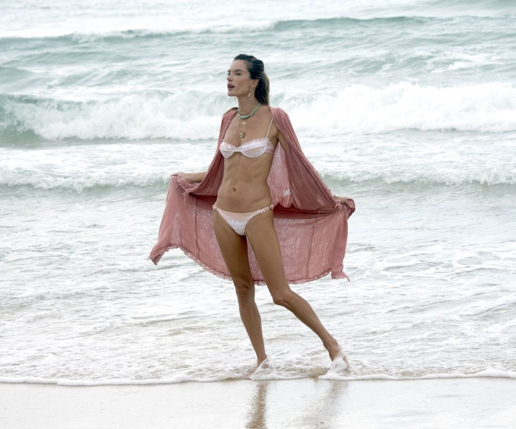 Alessandra Ambrosio Shows Off Her Famous Figure on the Beach During Brazilian Vacation (127 Photos)