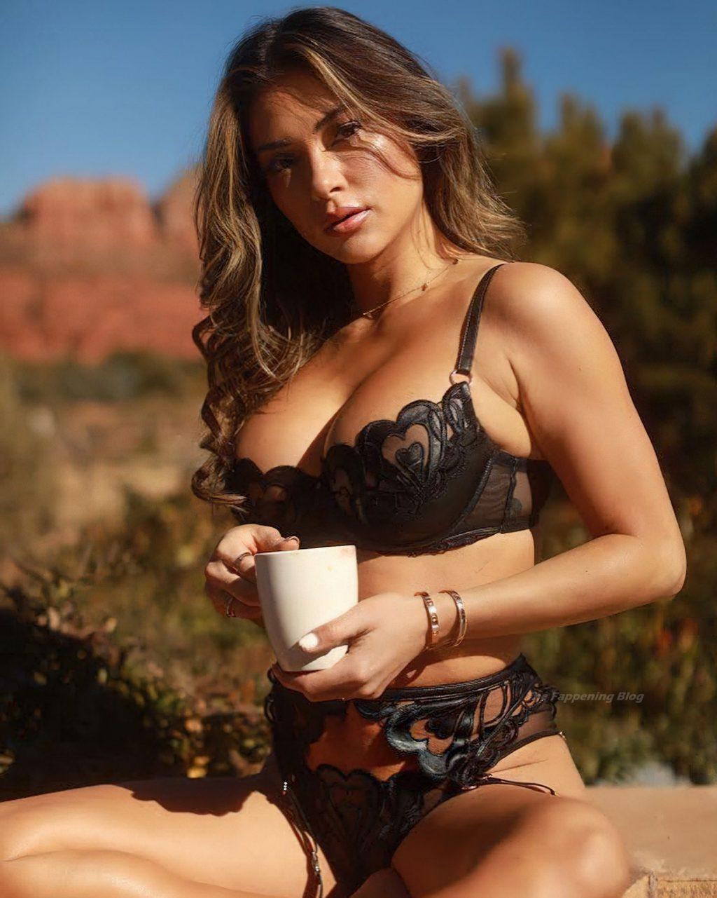 Ariadny Celeste Sexy (2 Photos)
