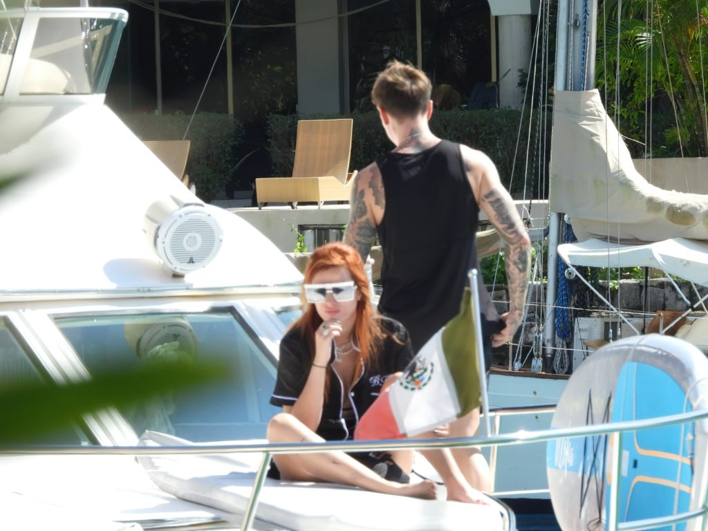 Bella Thorne is Pictured on a Luxury Yacht with Her Boyfriend in Mexico (39 Photos)