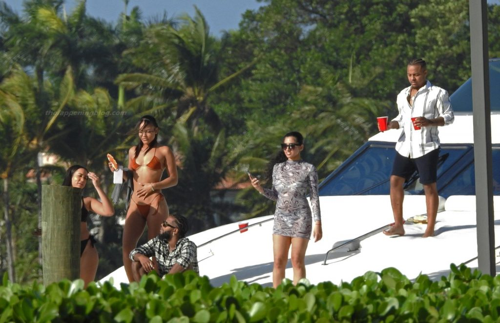 Bow Wow Double Fisting While on a Yacht Full of Sexy Girls (83 Photos)