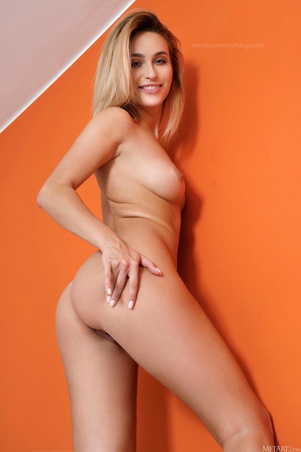 Cara Mell Nude – Feeling Elegant (18 Photos)