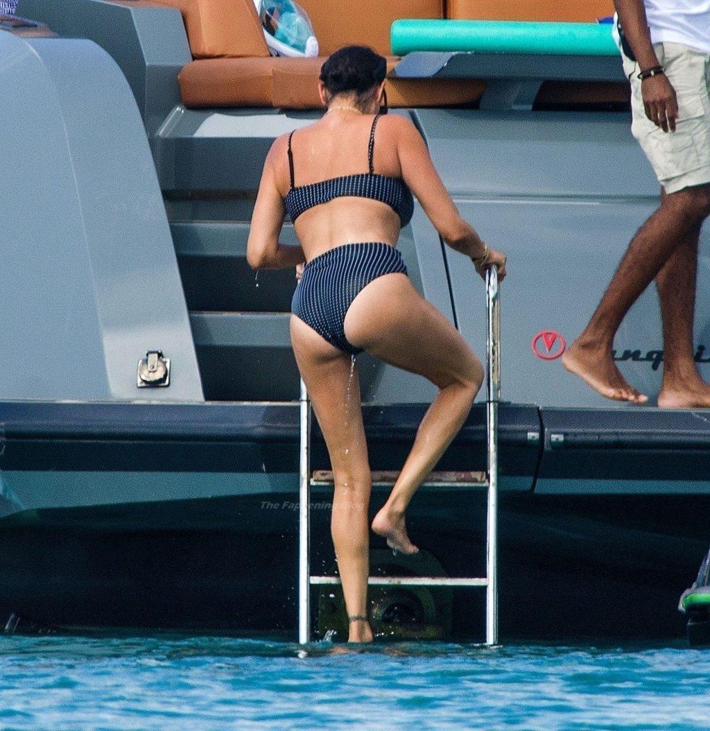 Lauren Silverman Flaunts Her Sexy Bikini Body on Holiday in Barbados (34 Photos)