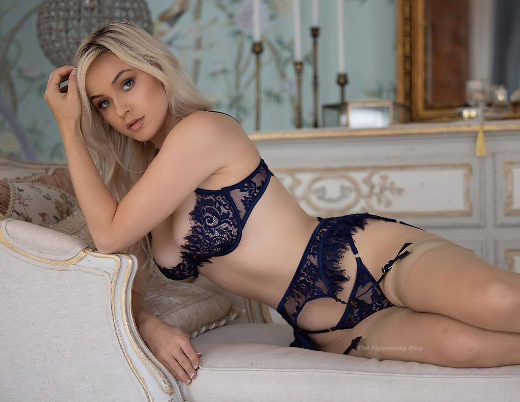Meaghan Stanfill Poses in Erotic Lingerie (15 Photos)