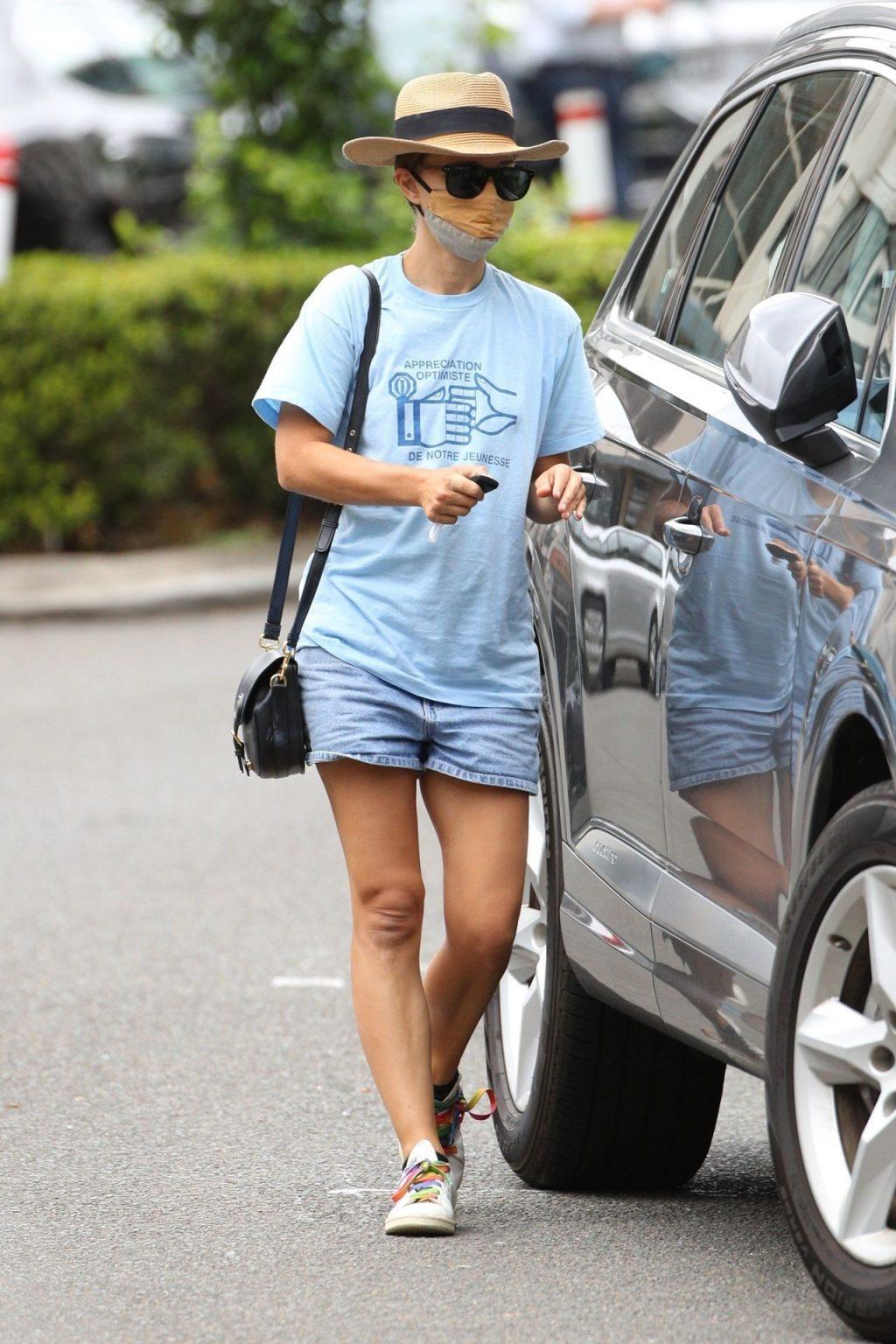 Leggy Natalie Portman is Seen in Double Bay (50 Photos)