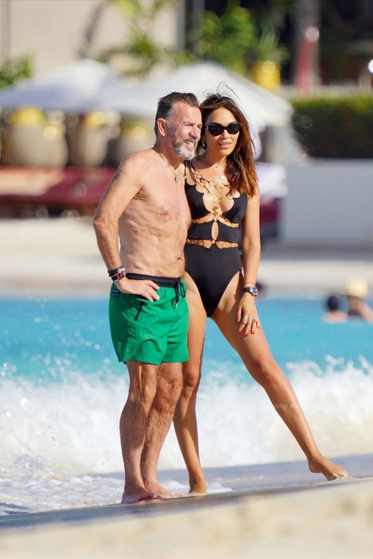 Duncan & Nigora Bannatyne Enjoy Their Vacation on the Beach in St Barts (44 Photos)