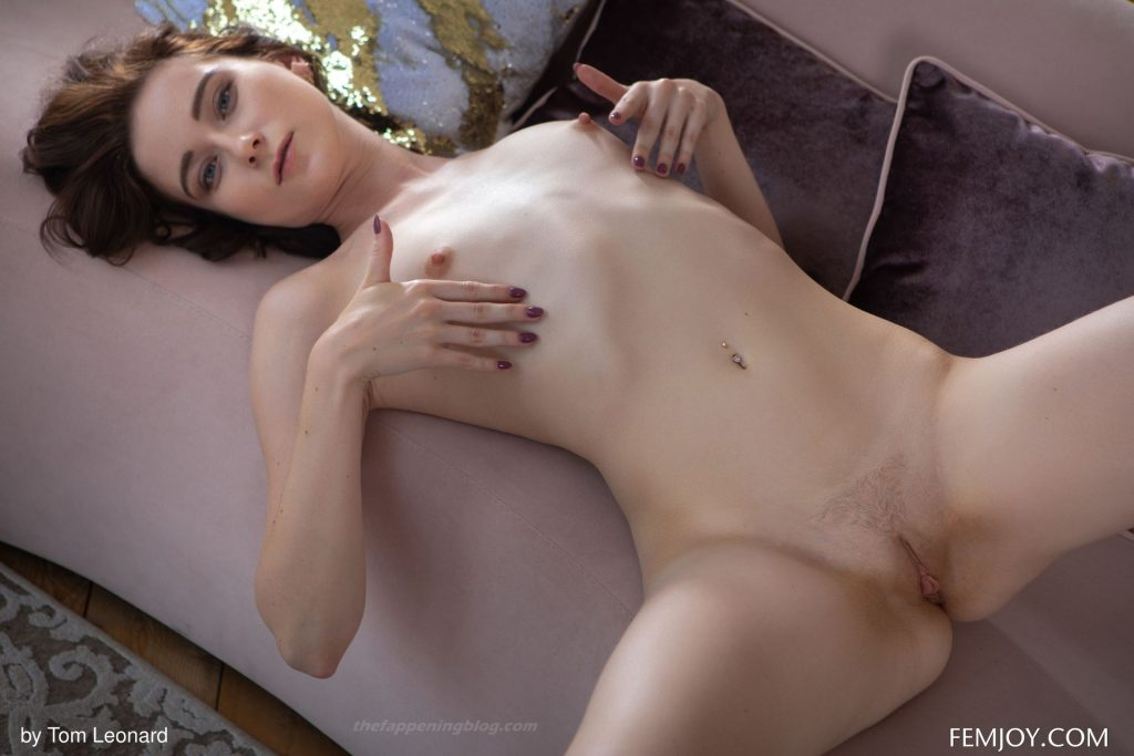 Rona Talin Nude – Dreamer (20 Photos)