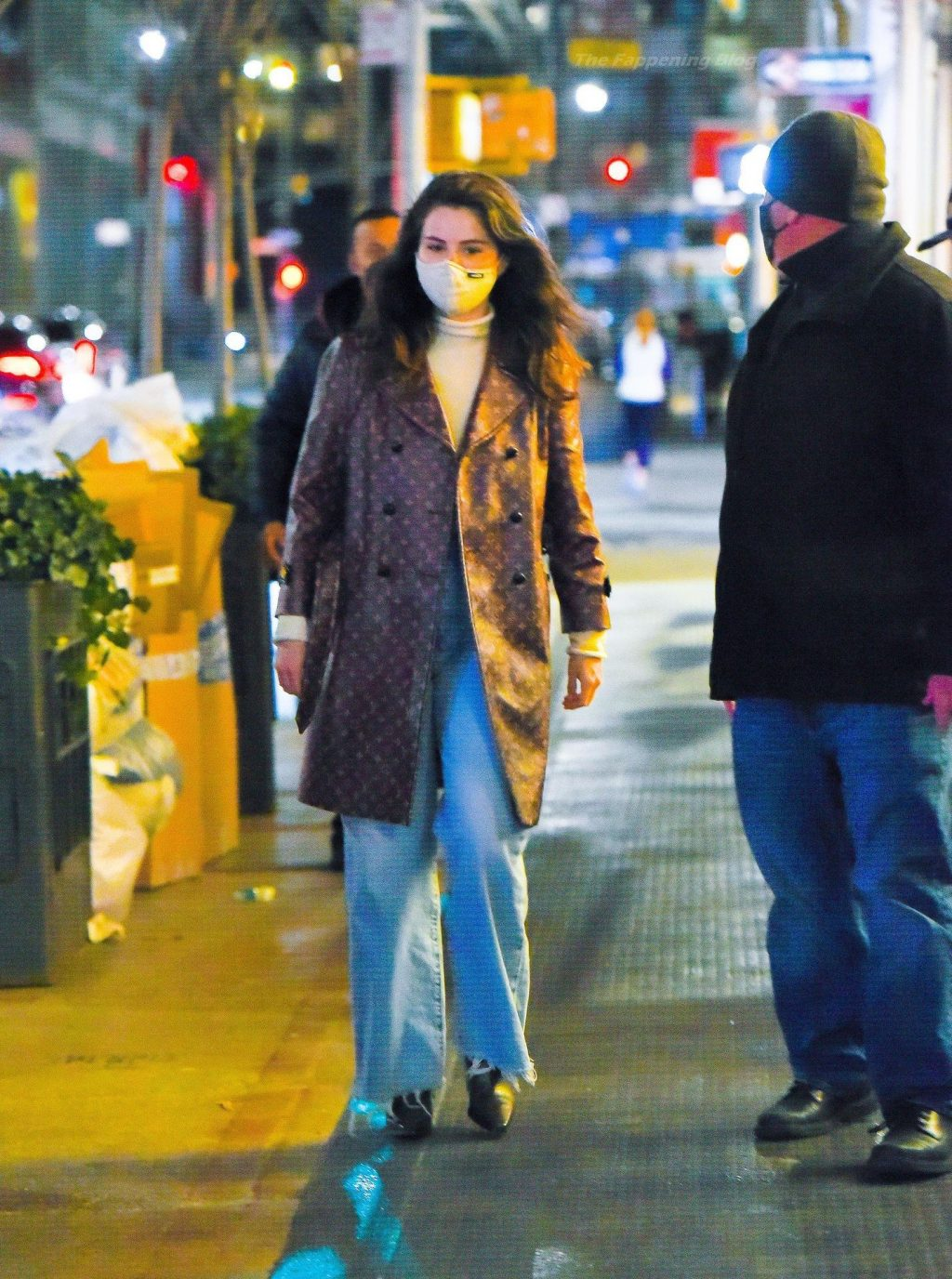 Selena Gomez is Pictured Shopping in NYC (22 Photos)