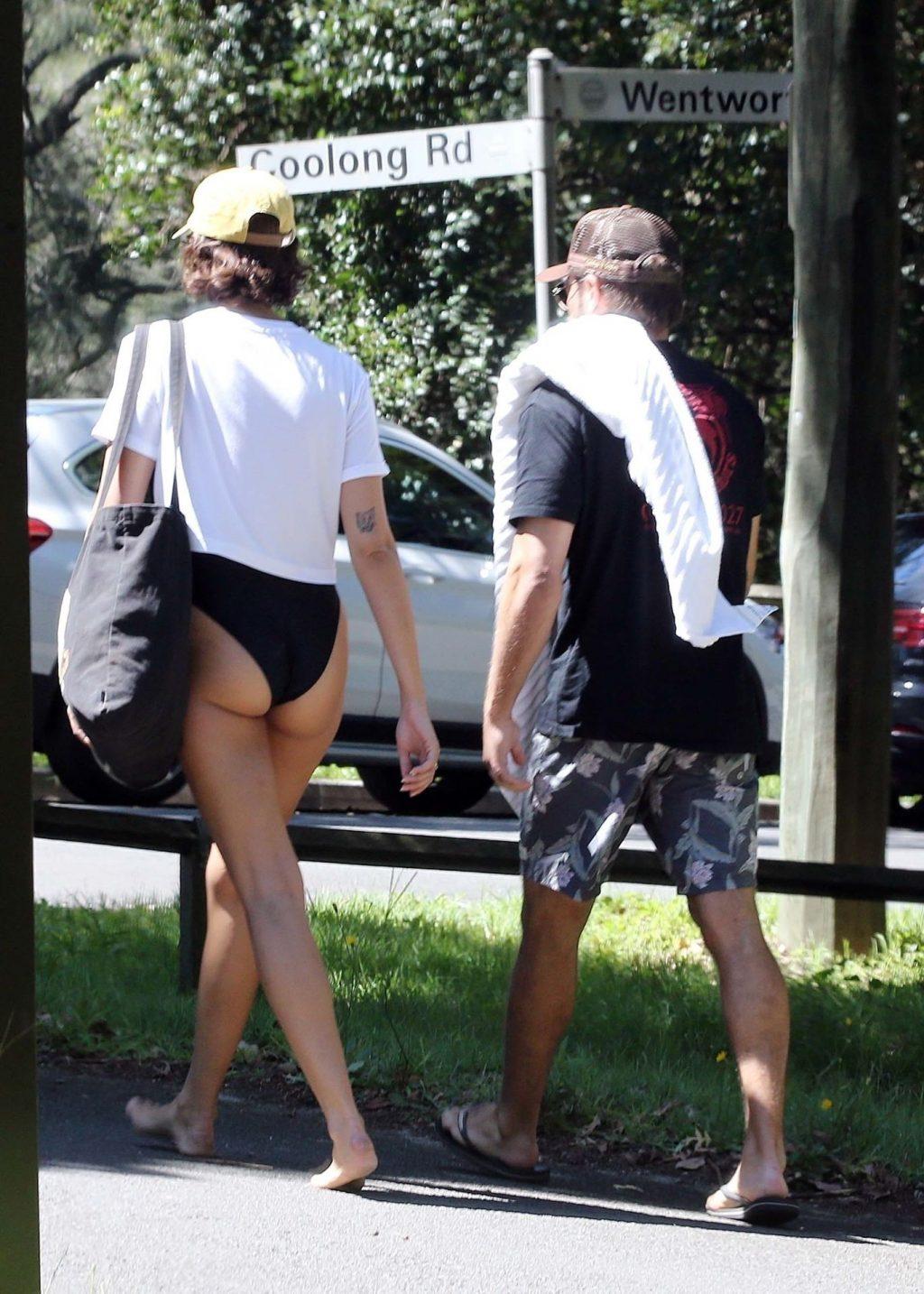 Zac Efron Enjoys a Beach Date with Vanessa Valladares in Sydney (78 Photos)