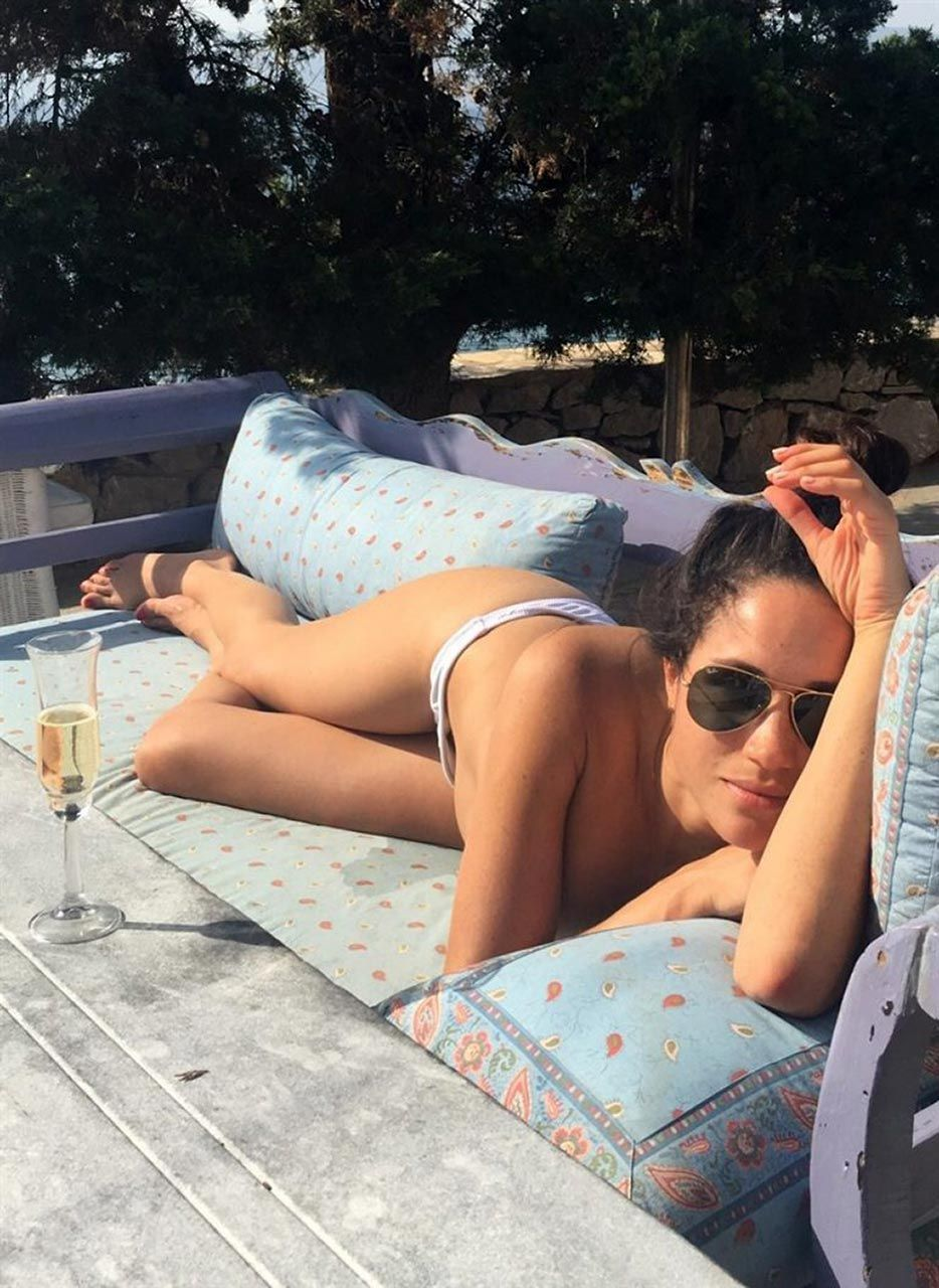 Meghan Markle Nude, Sexy & Leaked (120 Photos + Videos)
