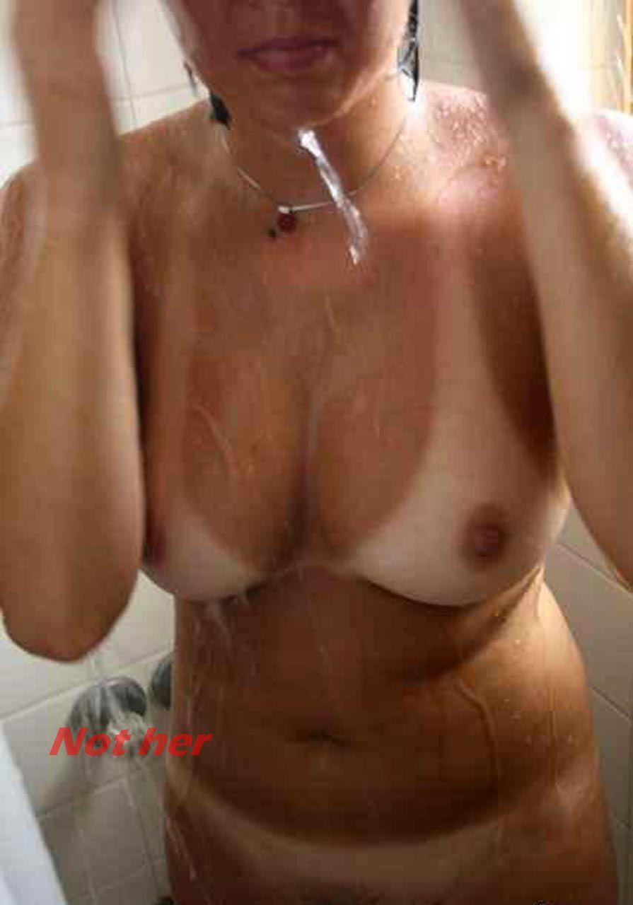 Ellie nackt Kemper 41 Hot