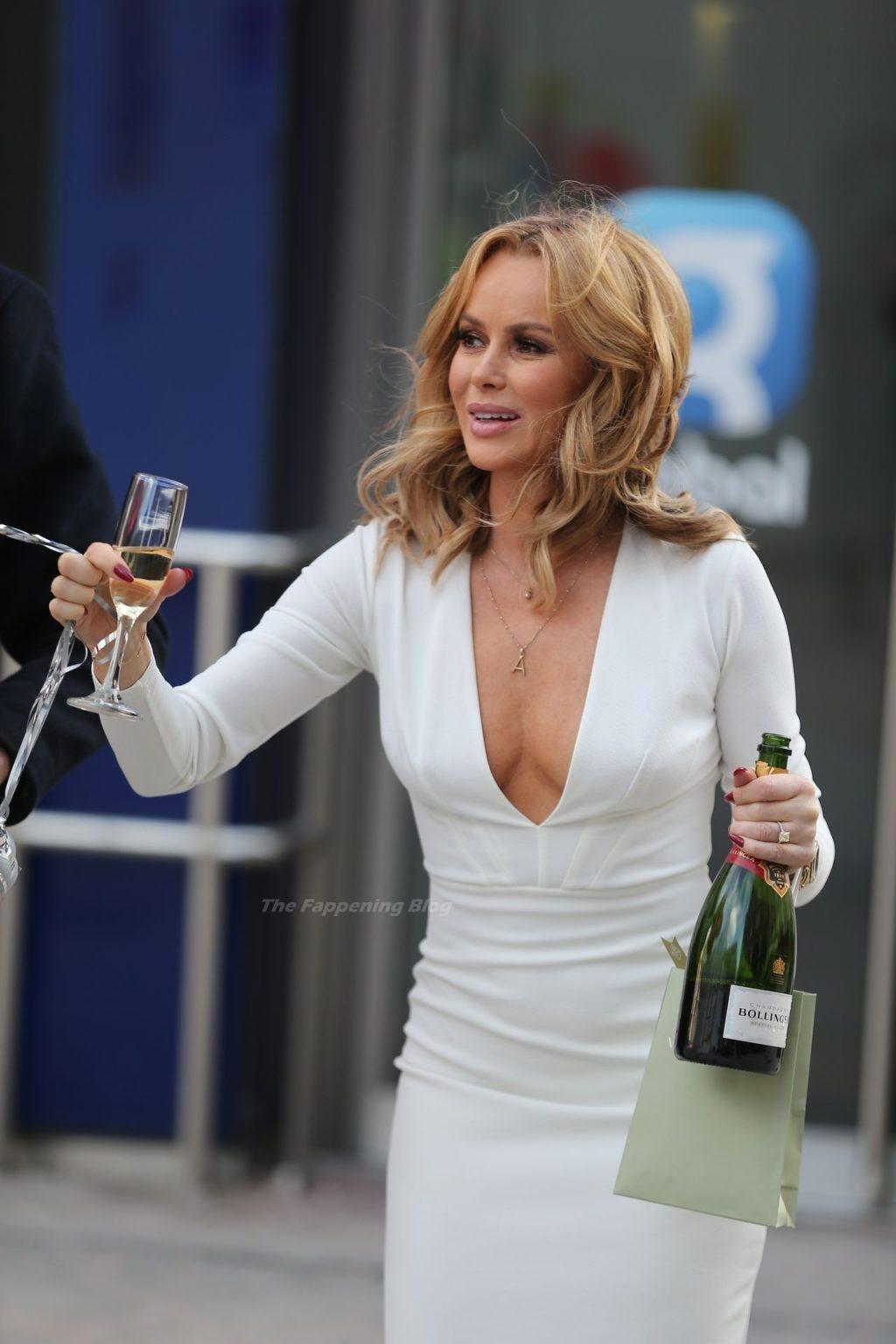 Braless Amanda Holden Shows Her Cleavage Celebrating Her Birthday (62 Photos)