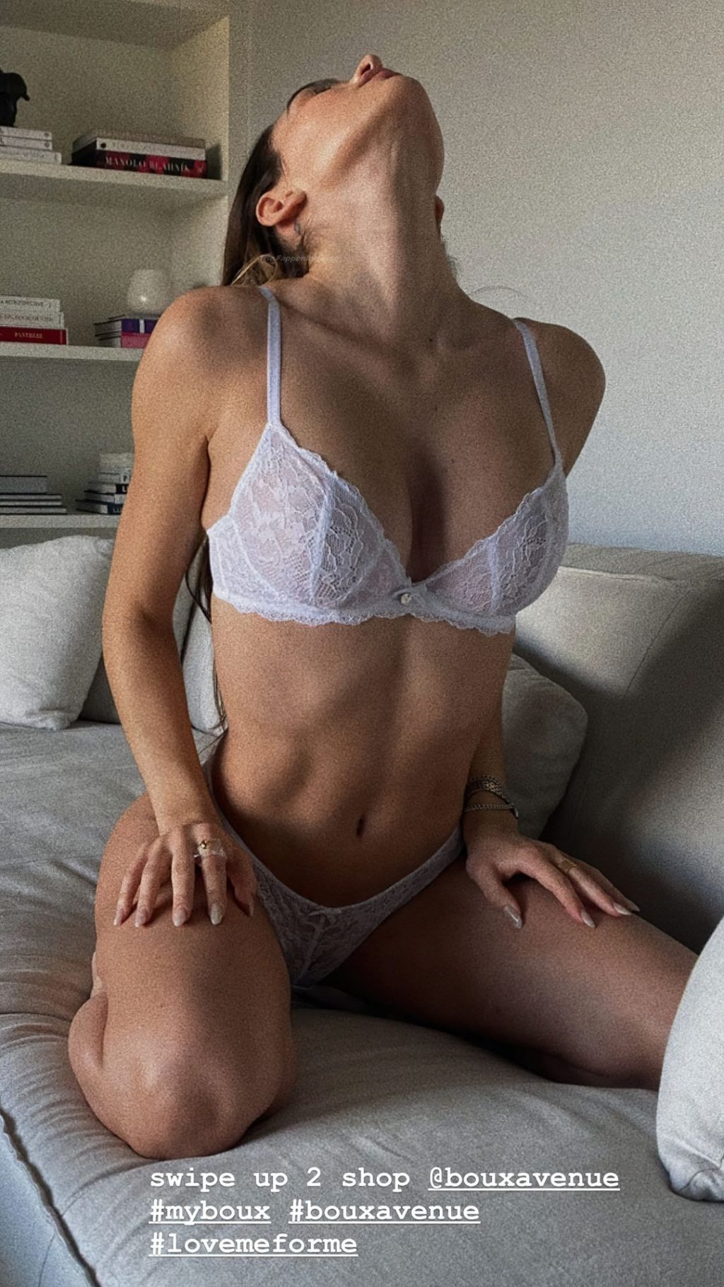 Amelia Gray Hamlin Shows Her Tits and Pussy in Lingerie (8 Photos)