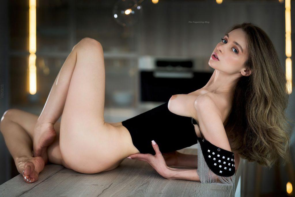 Anna Tsaralunga Nude (10 New Photos)