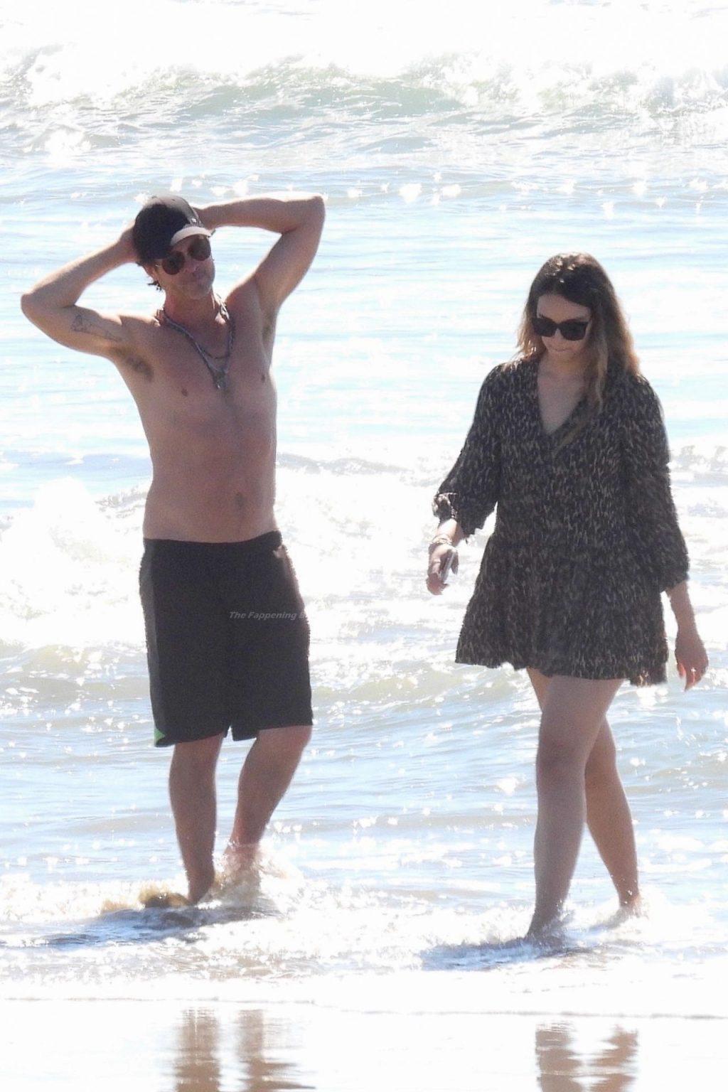 April Love Geary & Robin Thicke Enjoy a Fun Beach Day in Malibu (97 Photos)