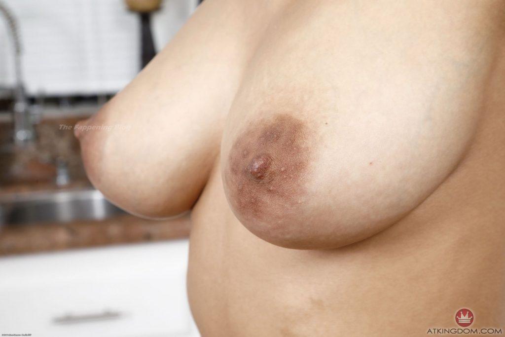 Ariana Aimes Nude (25 Photos)