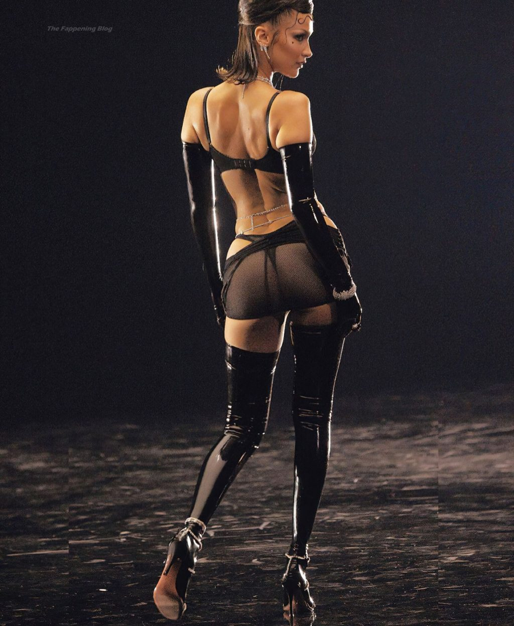 Bella Hadid Flashes Her Areola (14 Photos)