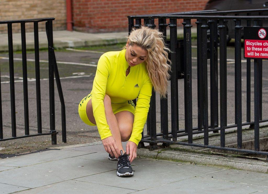 Bianca Gascoigne is Seen Heading out For a Run in Holborn (12 Photos)